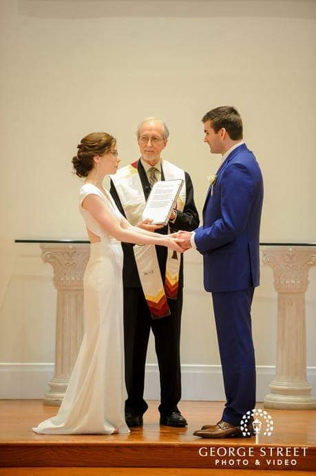 Dan Henkel, Officiant